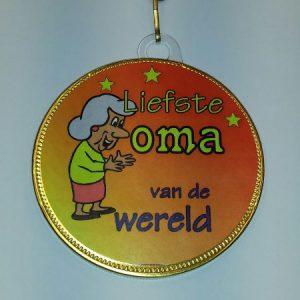 Medaille Oma bestellen bij ZZ-Snoeponline.nl